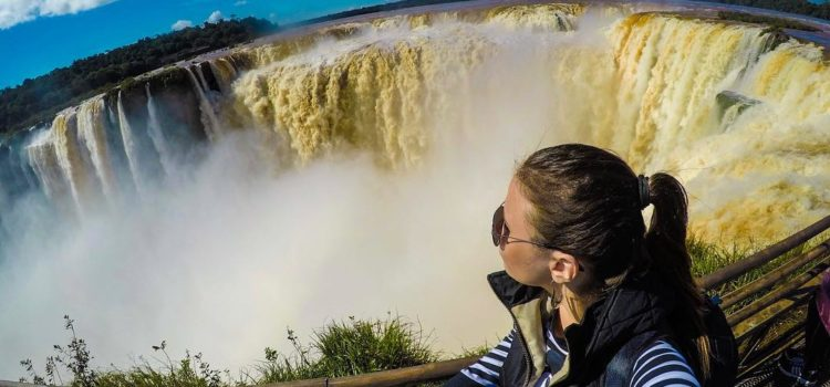 The woman's guide to traveling light (yes you can)
