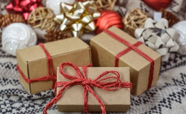 3 Tips for Gift Shopping for People in Your Life