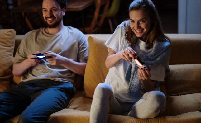 3 Reasons to Recommend Gaming to Family and Friends